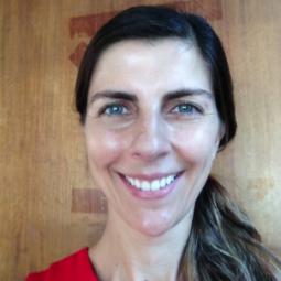 Dra. Raquel Martínez Romero
