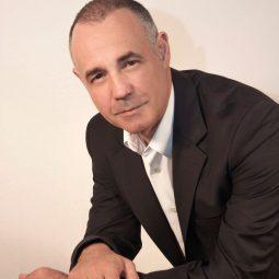 Dr. Antonio Romero